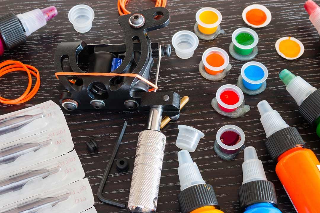 ¿Qué diferencias hay entre las máquinas de tatuaje de bobinas, rotativas y pen?